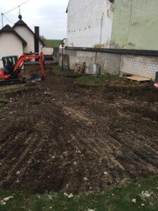 Erster Abschnitt der Eigenleistungen für den neuen Dorfplatz in Sinzig Franken ist geschafft